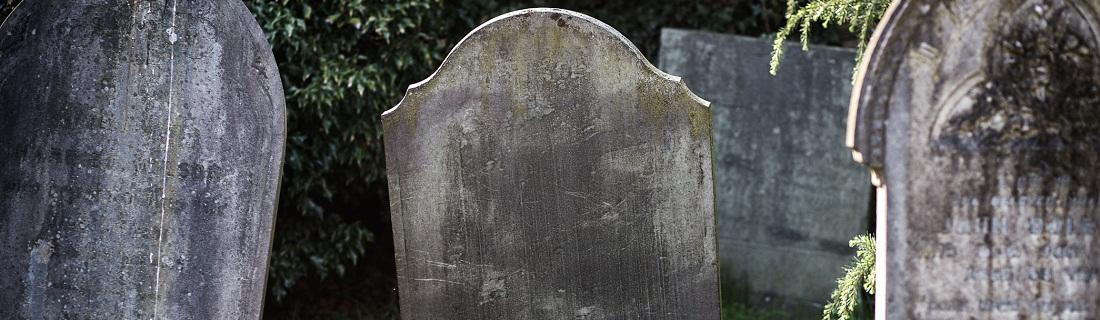 Na czym polega renowacja nagrobków?