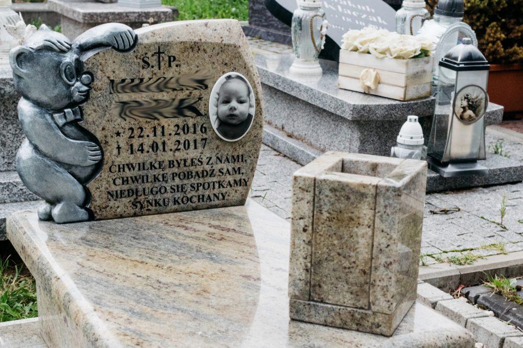 wazon na pomnik granitowy kashmir